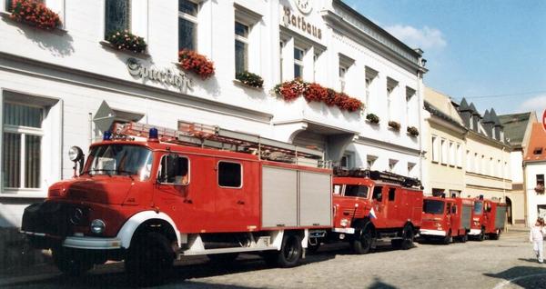Feuerwehrautos bereit zur Fahrt