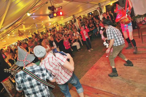 Cunsdorf feiert