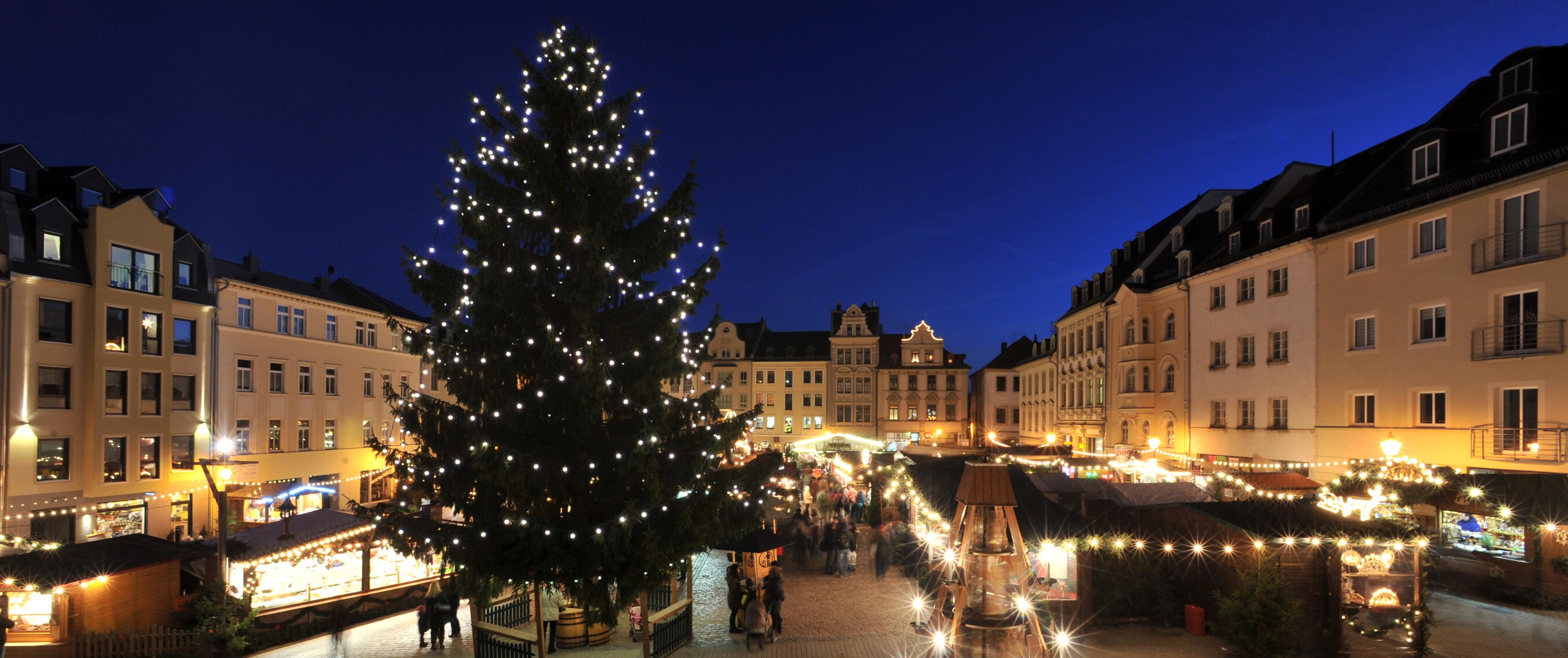 Weihnachtsmarkt aus Richtung Altes Rathaus